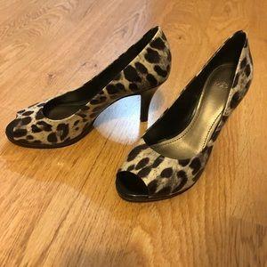 Like new! Alex Marie leopard print heels